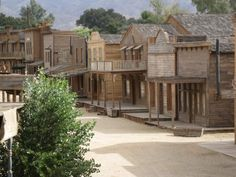 more ideas Old West Town, Old Town, Old Western Towns, Western Homes, Western Art, Cowboy Town, Westerns, Old Buildings, Ghost Towns