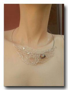 Handmade Wire crochet Collar Silber Draht freie Form mit Metallkugel