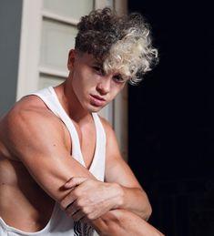 """Mi piace"": 14.8 mila, commenti: 176 - S L A V I K ▪️ S P I V A K (@slavik.spivak) su Instagram: ""New look 👀✨"" Haircuts For Men, Cute Guys, New Look, Hair Cuts, Instagram, Man Haircuts, Haircuts, Male Haircuts, Cute Teenage Boys"