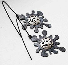 Pendientes de la nueva colección Criaturas Marinas.    Realizados a mano en Plata de 925 milésimas oxidada y texturizada.