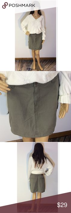 SZ 12 CALVIN KLEIN UTILITY STYLE SKIRT Gently used khaki green skirt with a zip and button entry as well as back pockets Calvin Klein Skirts