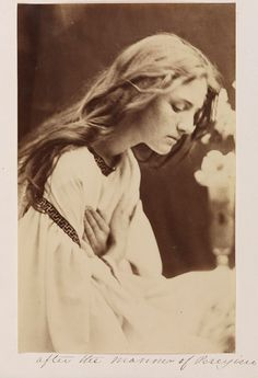 after the manner of perugino by julia margaret cameron . albumen print, 1865 from 'julia margaret cameron's women' Julia Margaret Cameron Photography, Julia Cameron, Vintage Photographs, Vintage Photos, Victorian Photos, Victorian Era, Old Pictures, Old Photos, Grete Stern