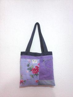 bolsa com pedaços de tecido de brim, algodão florido e jeans