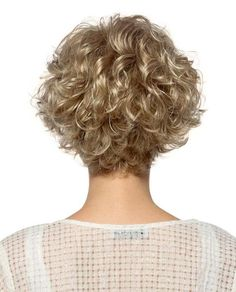 Jaw-Length Shaggy Haircut with Side Bangs - 70 Fabulous Choppy Bob Hairstyles – Best Textured Bob Ideas - The Trending Hairstyle Grey Curly Hair, Curly Hair Cuts, Wavy Hair, Short Hair Cuts, Curly Blonde, Curly Hair Styles, Curly Wigs, Fine Hair, Perms For Short Hair