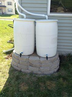 Double rain barrel stand