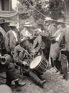 Civil War Drum and Fife - Gettysburg Reunion: G.A.R. & U.C.V. Veterans of the G.A.R. and of the Confederacy, at the Encampment - 1913