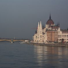 This site has the remains of monuments such as the Roman city of Aquincum and the Gothic castle of Buda, which have had a considerable influence on the architecture of various periods. It is one of the world's outstanding urban landscapes and illustrates the great periods in the history of the Hungarian capital