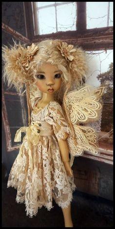 beautiful Kaye Wiggs Miki