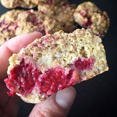 Sunn muffins er faktisk mulig. Disse muffinsene er helt uten sukker, og inneholder havregryn, banan og bringebær. De gikk rett hjem hos Malene!