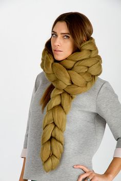 Super chunky scarf -  chain. Chunky scarf. Big yarn scarf. Merino wool. Giant knit 21 microns Bulky Gift, Olive. Super chunky chain scarf.