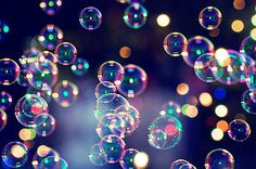 63 ideas for bath bubble photography Blowing Bubbles, My Bubbles, Soap Bubbles, Bubbles Wallpaper, White Wallpaper, Bubble Pictures, Bubble Machine, Bubble Balloons, Belle Photo