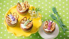 Wer flattert denn da auf die Kaffeetafel? Schmetterlings-Cupcakes mit Limetten-Frosting. Ein Backrezept - so süß anzuschauen und so köstlich!