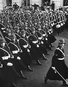 Vor der Reichskanzlei, 30. Januar 1938