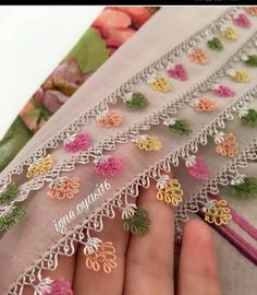 Hand Work Embroidery, Crewel Embroidery, Crochet Borders, Crochet Lace, Easy Hobbies, Chicken Scratch, Point Lace, Bff Gifts, Needle Lace