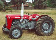 Massey Ferguson 35X. I just love these little Fergy's!! An Uncle used to have one and everytime we visited, he would get it going and let me drive it around the farm...even if I was only 5yo and 7yo at the time respectively..
