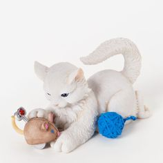 Charming Purrsonalities Kitten Figurine w/Toy Mouse (I Love Unwinding With You)+
