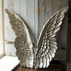 Alas - Portal... Nuestro Ángel interno se recrea en este patio de juegos llamado Planeta Tierra. Un abrazo alado. Gracias al amigo CG.