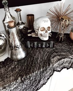 Invasion of animals in your decor! Chic Halloween Decor, Halloween House, Spooky Halloween, Holidays Halloween, Happy Halloween, Halloween Decorations, Halloween Fireplace, Goth Home, Season Of The Witch