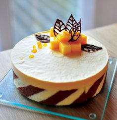 Ai Bake House - Birthday Cakes, Wedding Cakes, Cupcakes and more: Mango Mousse Cake 芒果慕斯蛋糕 Mango Mousse Cake, Mango Cake, Decoration Patisserie, Dessert Decoration, Gourmet Desserts, Fancy Desserts, Baking Recipes, Cake Recipes, Dessert Recipes