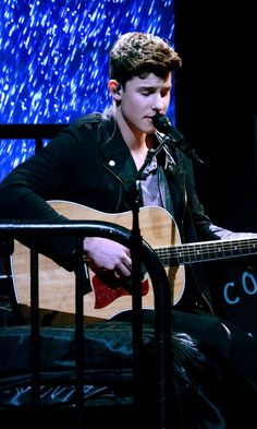 We Need to Discuss How Adorable Shawn Mendes Is During His Latest Performance