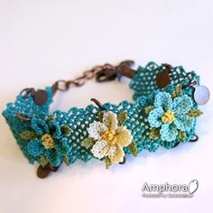 Illustrated Needlework Models - new season bijouterie Bracelet Crochet, Lace Bracelet, Beaded Bracelets, Beaded Flowers, Crochet Flowers, Jewelry Tags, Handmade Jewelry, Crochet Accessories, Jewelry Accessories