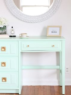 Old desk turned new with this #mint makeover! // LoveGrowsWild.com- #DIY #HomeOffice