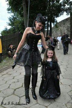 Frau mit kind treffen