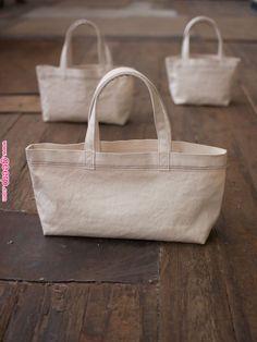 Best 12 bag in bag – SkillOfKing. My Bags, Purses And Bags, My Style Bags, Diy Tote Bag, Linen Bag, Fabric Bags, Cloth Bags, Diy Handbag, Canvas Tote Bags