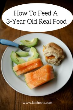 Ever wanted to know what a 3 year old eats? Here are real meals that Mazen eats and how I'm working to get him to eat real food.How to feed a old real food Beauty Tips Home Remedy, Toddler Nutrition, Beauty Tips For Glowing Skin, Real Food Recipes, Healthy Recipes, Homemade Beauty Tips, Nutrition Articles, Healthy Beauty
