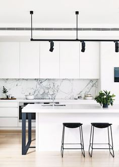 Awesome 40 Minimalist Home Decoration Ideas https://decorapatio.com/2017/08/28/40-minimalist-home-decoration-ideas/