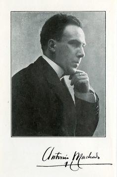 Writer Antonio Machado 1917 Antonio Machado nacio en 1875 en seville espana. Recivio su doctorado en madrid.  En 1899 fue ha francia con su hermano, manuel, para ser un traductor franses. Estuvo casado dos veces. Machado murrio en francia poco despues de ser evacuado de barcelona.