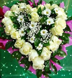 "Photo from album ""Праздник"" on Yandex. Grave Decorations, Sympathy Flowers, Beautiful Rose Flowers, Deco Floral, Funeral Flowers, Rose Bouquet, Flower Bouquets, Wedding Bouquet, Purple Wedding"