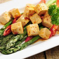 Tofun paistamisen ABC – näin lihattomasta herkusta saa hyvää