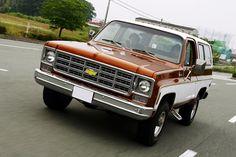 1977 シボレー K5 ブレイザー (CHEVROLET K5 BLAZER) Vintage Chevy Trucks, Chevrolet Suburban, K5 Blazer, Custom Cars, Cool Cars, Transportation, Blazers, Colours, Vehicles