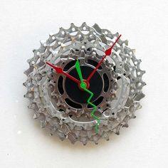Ideas Para Reutilizar o Reciclar tu Vieja Bici, cadena de bici convertida en reloj #reciclaje #bicicleta