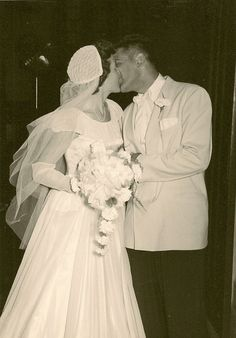 First Kiss First Kiss, What Is Love, Wedding Pictures, True Love, Beautiful Dresses, Brides, The Past, Ruffle Blouse, Romance