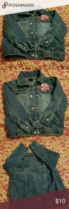 Adorable jean jacket with flower accent Gently used  light material jean jacket Arizona Jean Company Jackets & Coats Jean Jackets