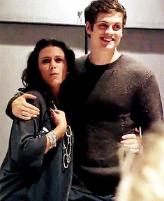 Daniel Sharman with Melissa Ponzio on stage at Team Wolf Con 3. gif