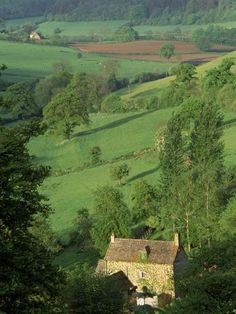 Cotswold Hills, England - Seen the beauty of this place in person, and this picture, while it does little justice, brings back a flood of memories. Stonehenge, Great Places, Places To See, Beautiful World, Beautiful Places, English Countryside, British Isles, Great Britain, That Way