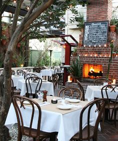 16 great outdoor spots to eat in LA...i absolutely love places like this.