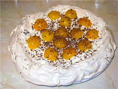 Торт-безе ореховый со взбитыми сливками и абрикосами . Фото-рецепт