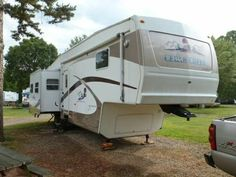 2004 Cedar Creek by Forest River for sale by owner on RV Registry http://www.rvregistry.com/used-rv/1010521.htm