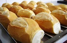 Pão Francês - french bread rolls from Brazil. such a staple, everyone has them for breakfast down there Breakfast Recipes, Snack Recipes, Cooking Recipes, Bread Recipes, Cooking Ideas, Brazillian Food, Good Food, Yummy Food, Portuguese Recipes
