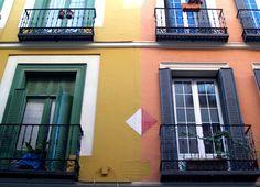 Caminando por Madrid: ¿Balcones o terrazas?