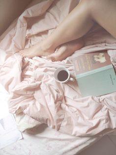 Todas las mañanas empiezan con un libro y buen Café