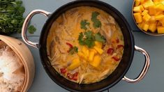 Himmelsk kyllingsuppe med karri - Plusstid Thai Red Curry, Nom Nom, Food And Drink, Healthy Eating, Ethnic Recipes, Eating Healthy, Healthy Nutrition, Clean Foods, Healthy Diet Tips