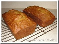 Pumpkin bread made with applesauce instead of oil