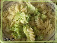 Zapekaný karfiol s cestovinami a syrovou omáčkou | Mimibazar.sk Cabbage, Vegetables, Food, Veggies, Veggie Food, Meals, Vegetable Recipes, Yemek, Collard Greens
