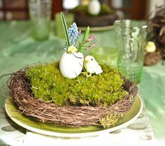 décoration de Pâques avec un moineau et oeuf