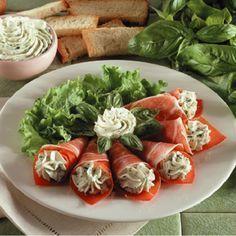 Rulouri cu sunca si mascarpone Parma, Romanian Food, Romanian Recipes, Caprese Salad, Fresh Rolls, Avocado Toast, Sushi, Food And Drink, Appetizers